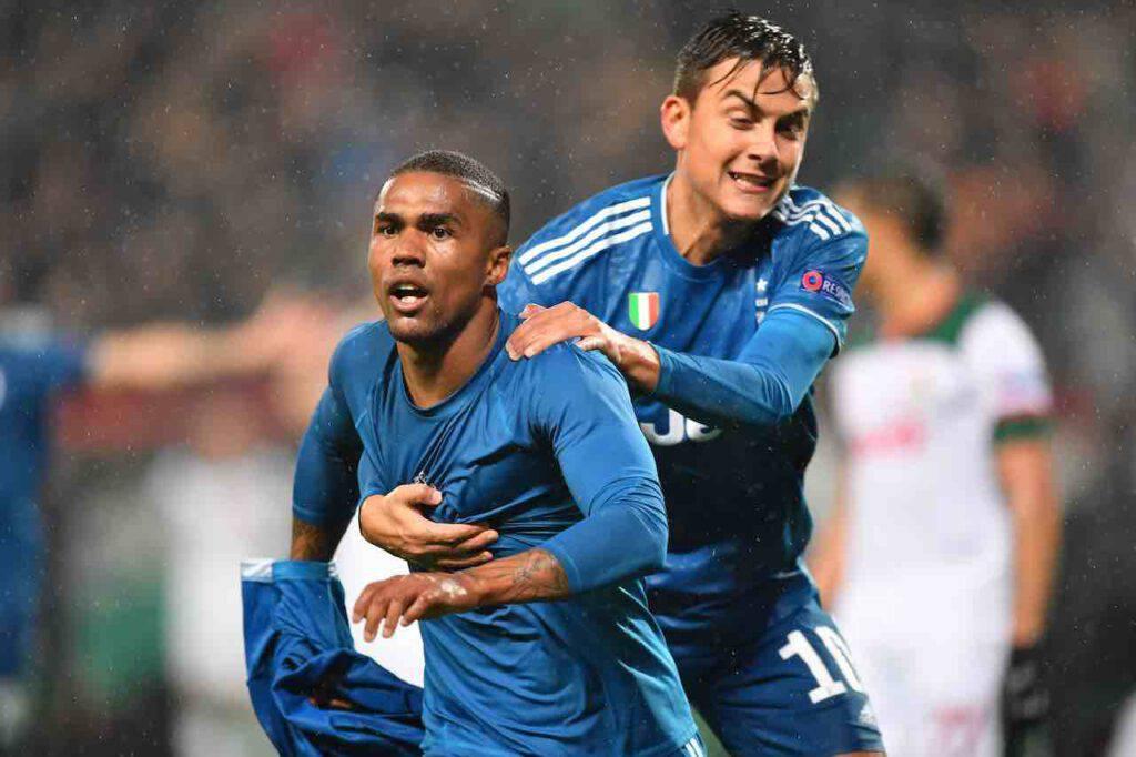 Dybala e Douglas Costa allontanano l'Inter (Getty Images)