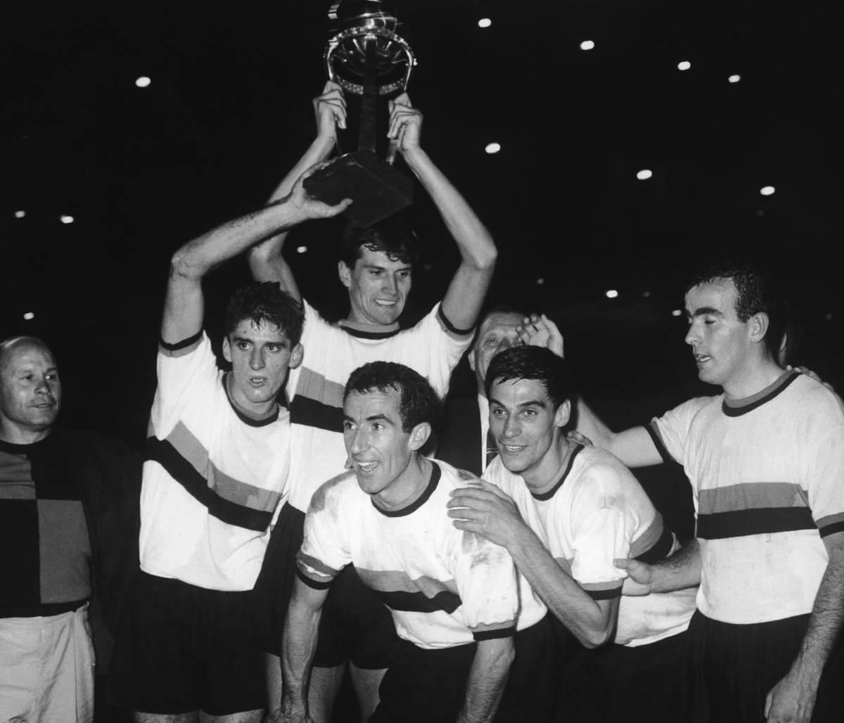 Mario Corso insieme ad alcuni compagni di squadra della Grande Inter (Getty Images)