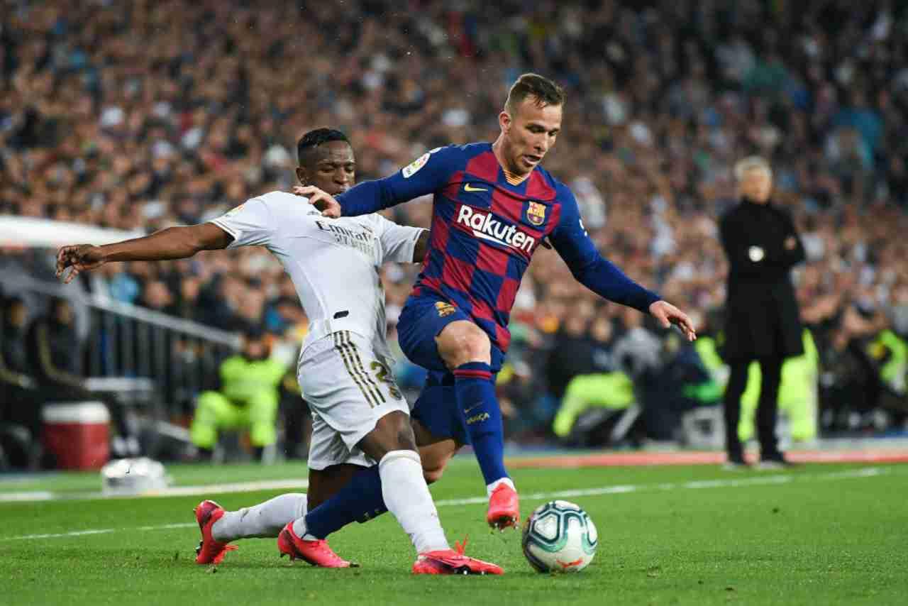 """Arthur verso l'addio al Barcellona: l'attacco """"social"""" di sua madre a Setien"""