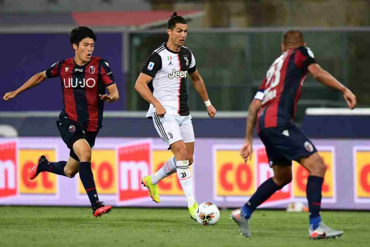 Moviola Bologna-Juventus: trattenuta su de ligt da rigore - Foto