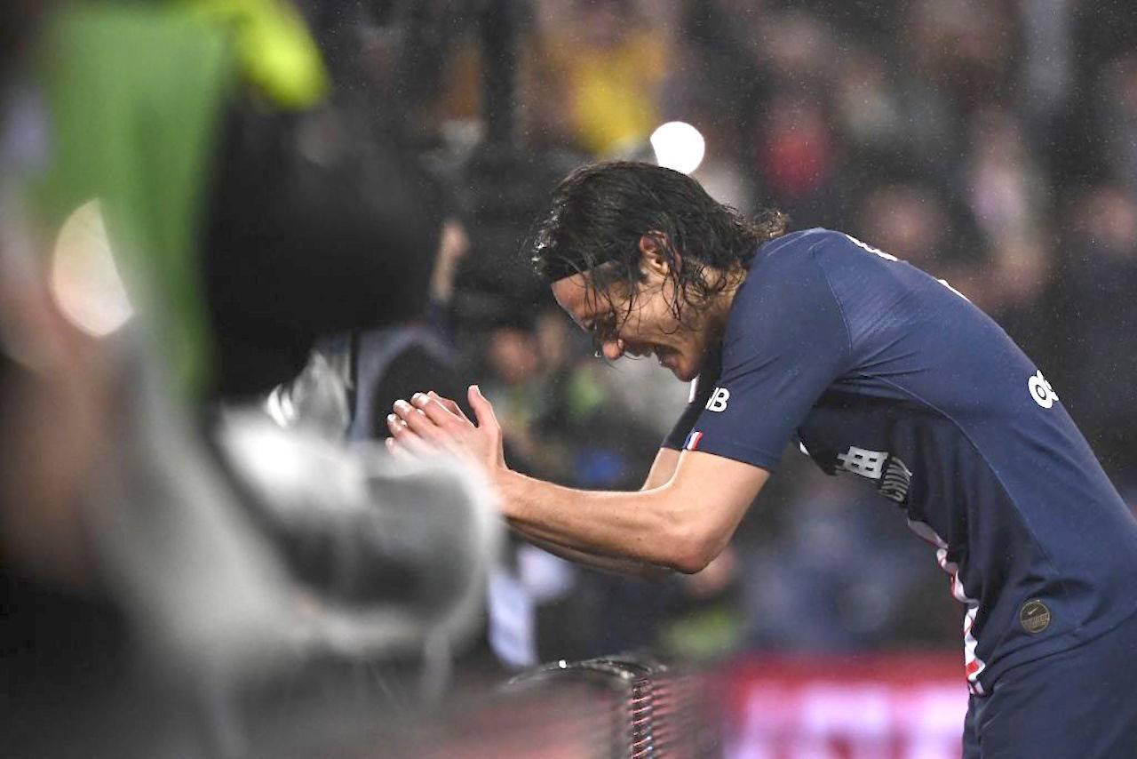 Cavani si rifiuta di giocare la Champions con il PSG: il motivo