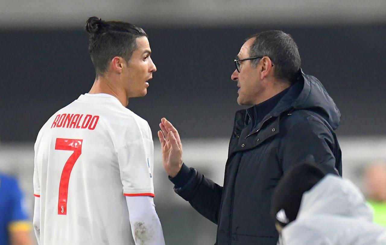 Juventus, Cristiano Ronaldo-Sarri: è gelo. Il retroscena