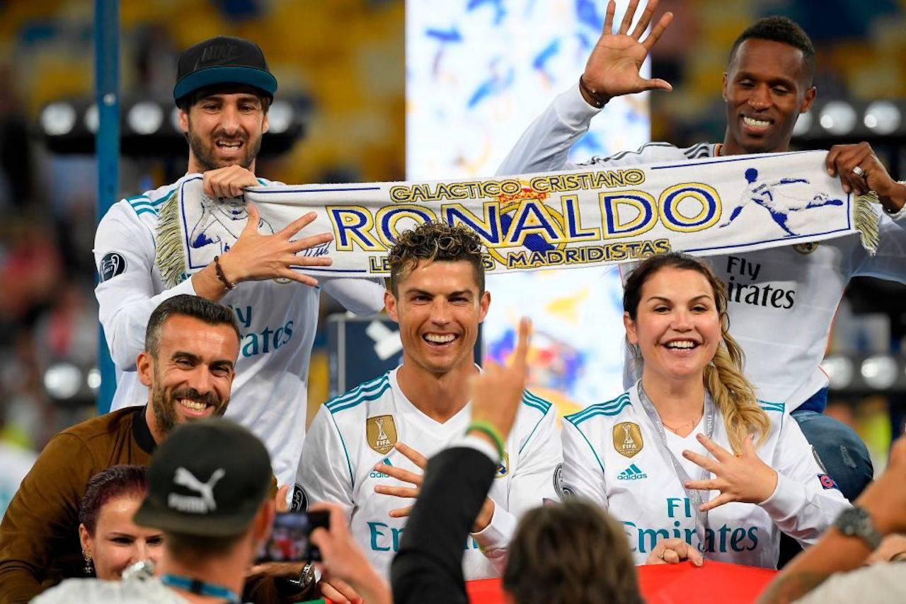 "Cristiano Ronaldo, la sorella rivela: ""Eravamo poveri, i topi mi mordevano"""