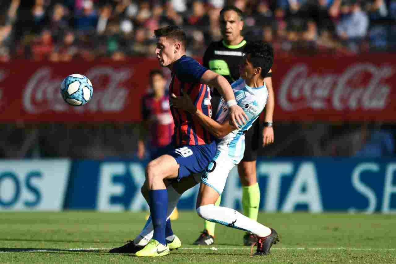 Adolfo Gaich in azione con la maglia del San Lorenzo