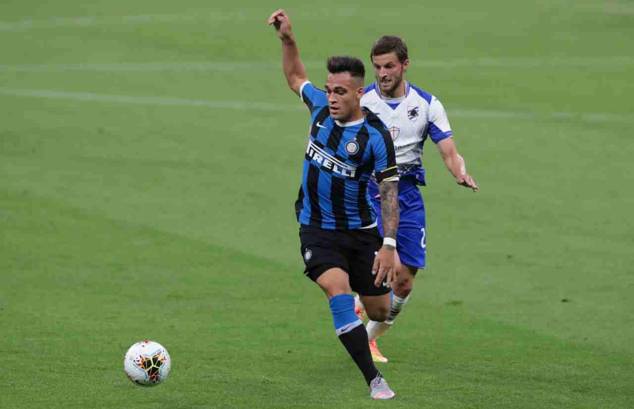 Lautaro in azione nel corso di Inter-Sampdoria di Serie A