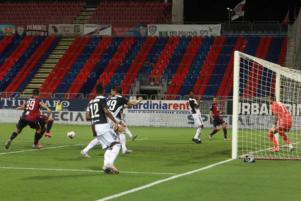 Cagliari-Juventus 2-0, Gagliano e Simeone mandano ko i campioni d'Italia