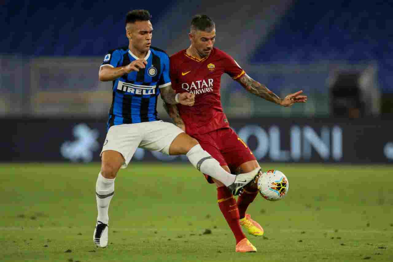Moviola Roma-Inter: contatto Kolarov-Lautaro sul gol, analisi e foto