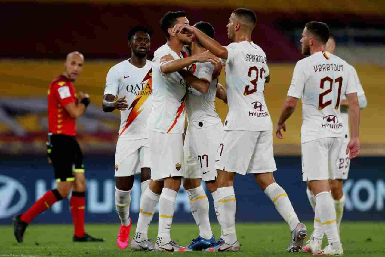 Calciomercato Juventus, Sarri in bilico | La decisione della società