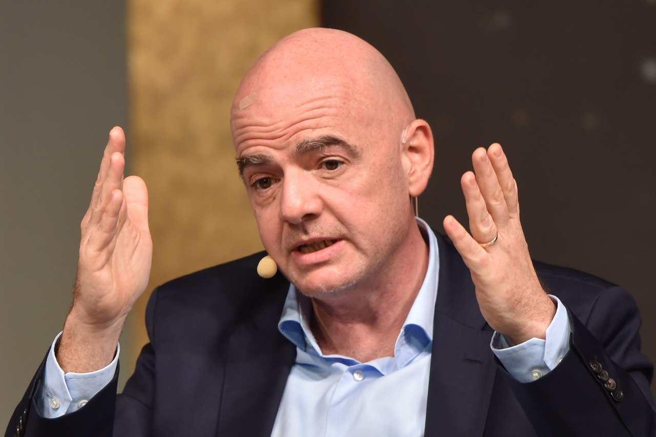 FIFA, Infantino indagato: non deve dimettersi durante l'inchiesta