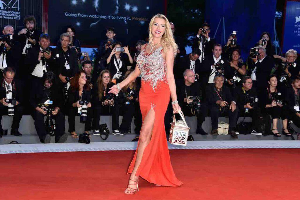 Valeria Marini, fascino stellare: la foto audace per i fan (Getty Images)