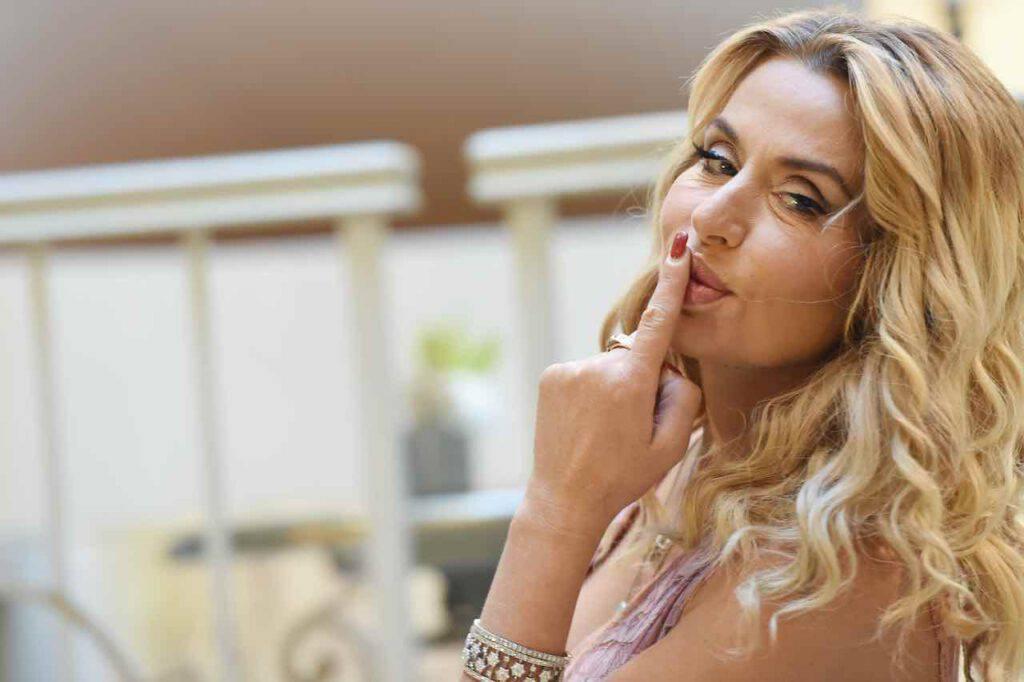Valeria Marini, scatto seducente su Instagram (Getty Images)
