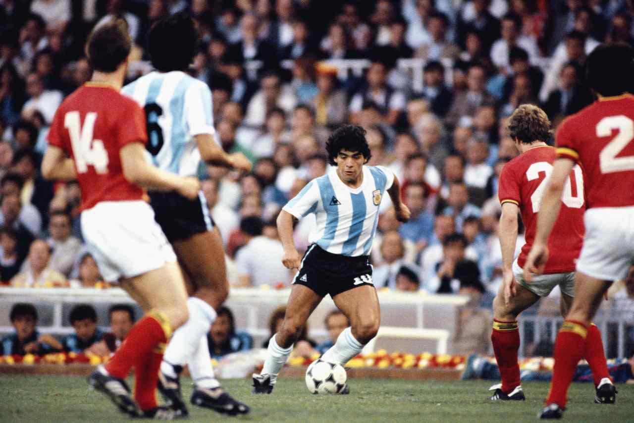Il debutto del Pibe de Oro al Mondiale 1982