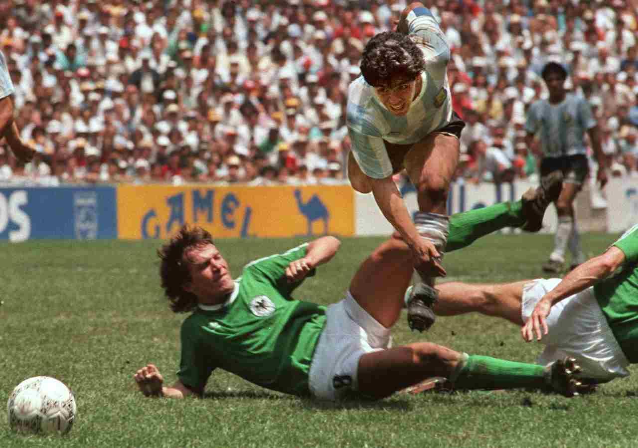 Maradona sfida Matthaus, la finale dell'Azteca