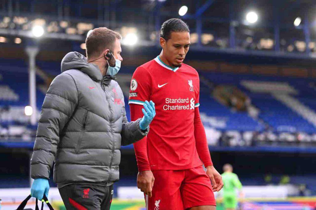 Van Dijk, stagione finita per il difensore del Liverpool: la diagnosi