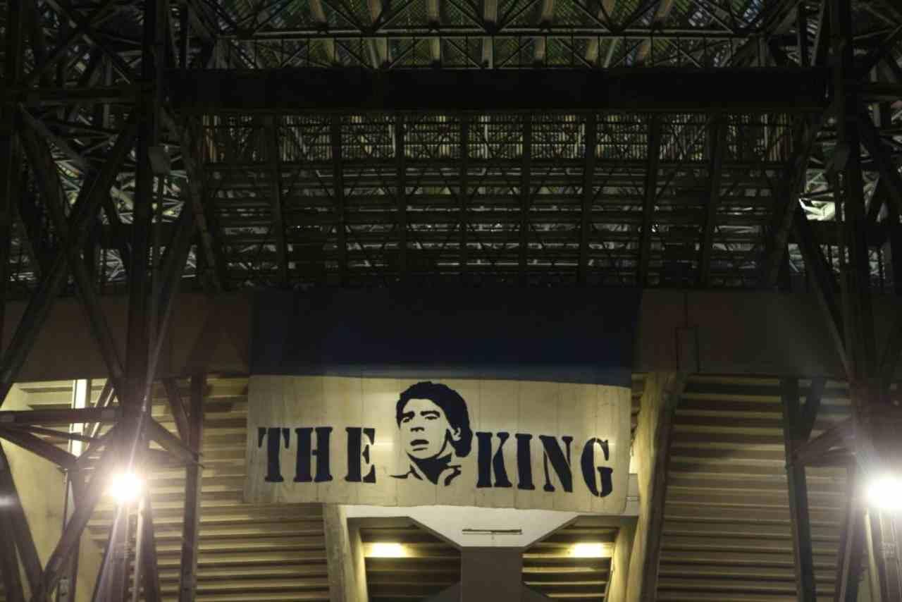 Maradona, striscione fuori al San Paolo (Getty Images)