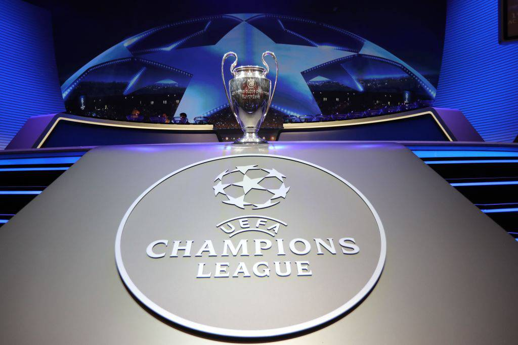 Champions League, presentato il pallone ufficiale per la fase finale (Getty Images)