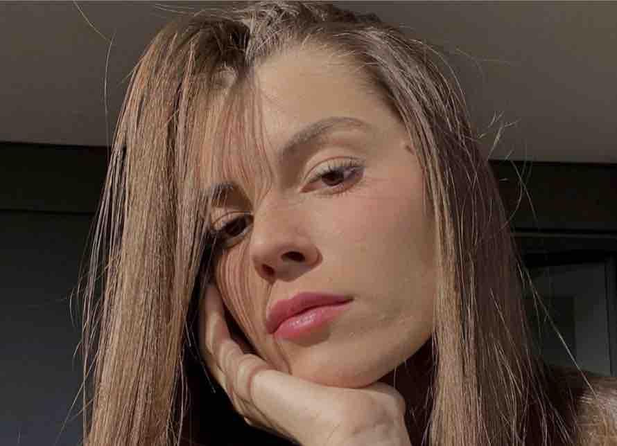 Lady Bastoni seducente sui social (Instagram)