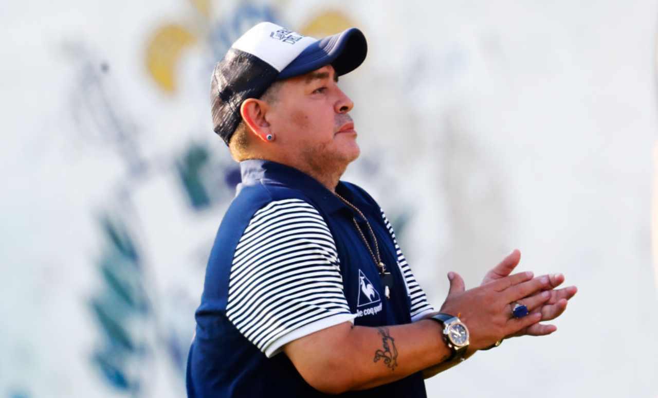 Maradona accuse medico