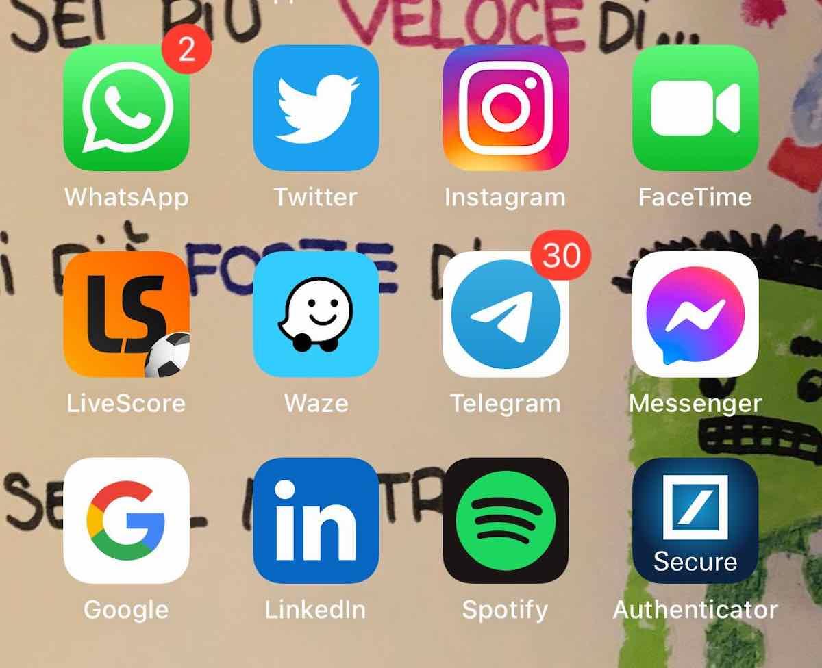 WhatsApp cambia da febbraio, il messaggio da accettare
