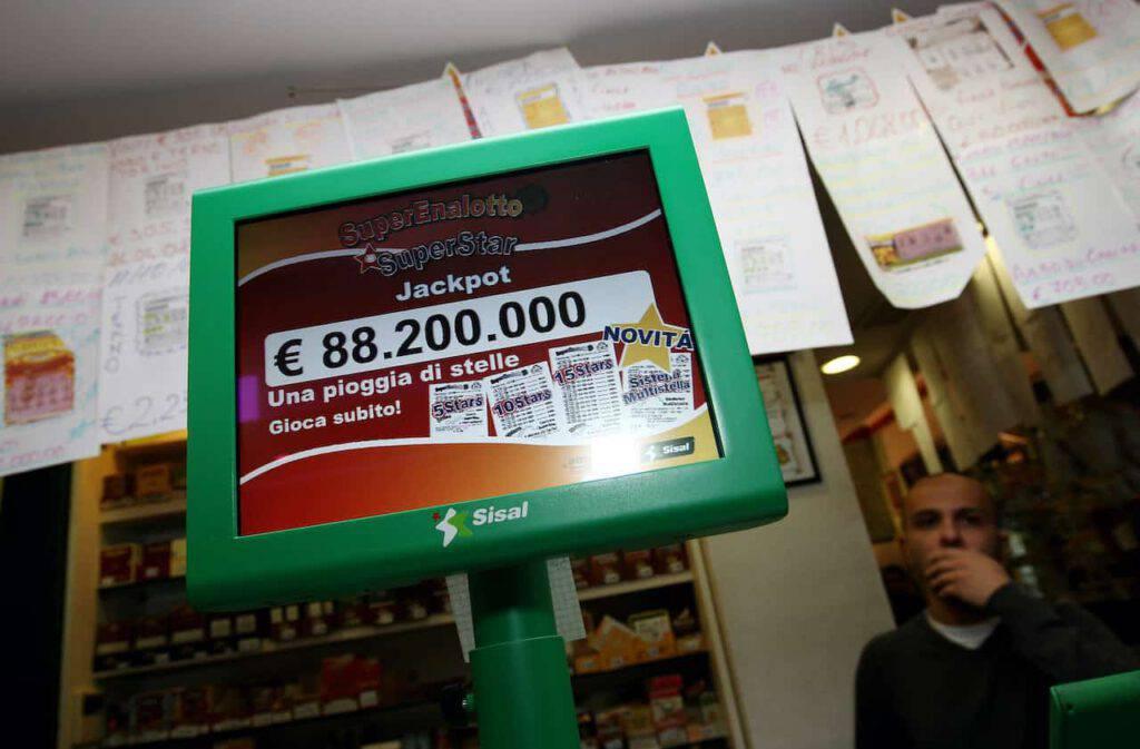Lotto, SuperEnalotto, 10eLotto estrazioni 6 marzo 2021 (Getty Images)