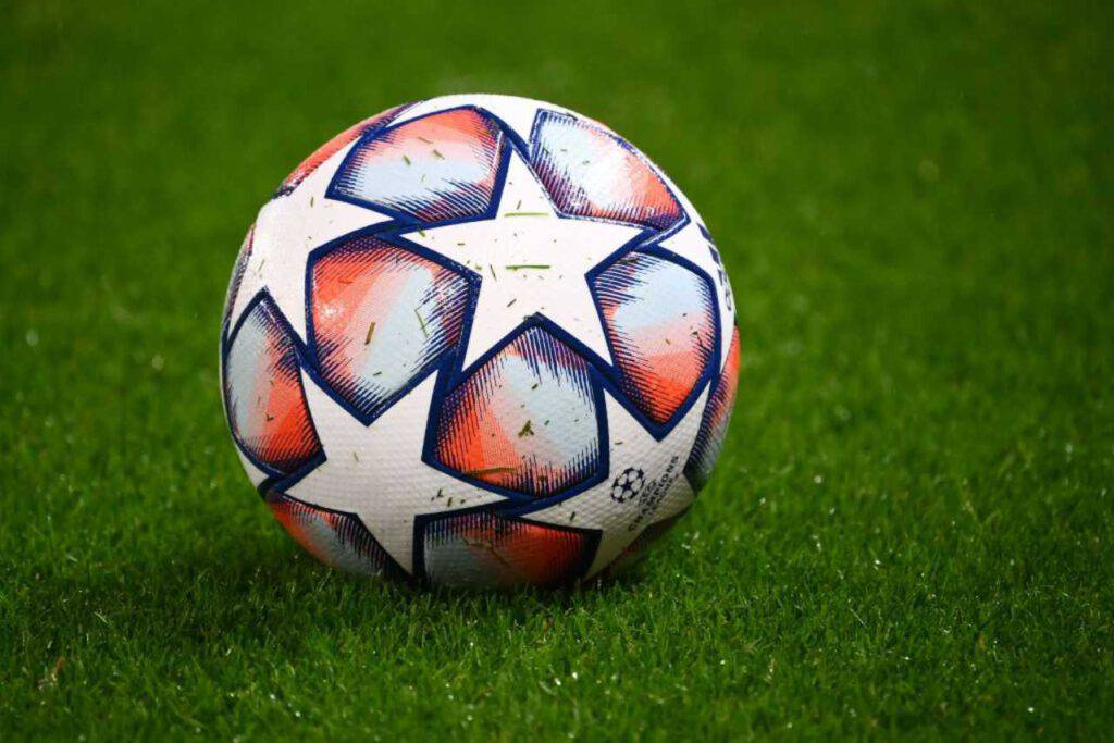 Champions League, presentato il nuovo pallone (Getty Images)