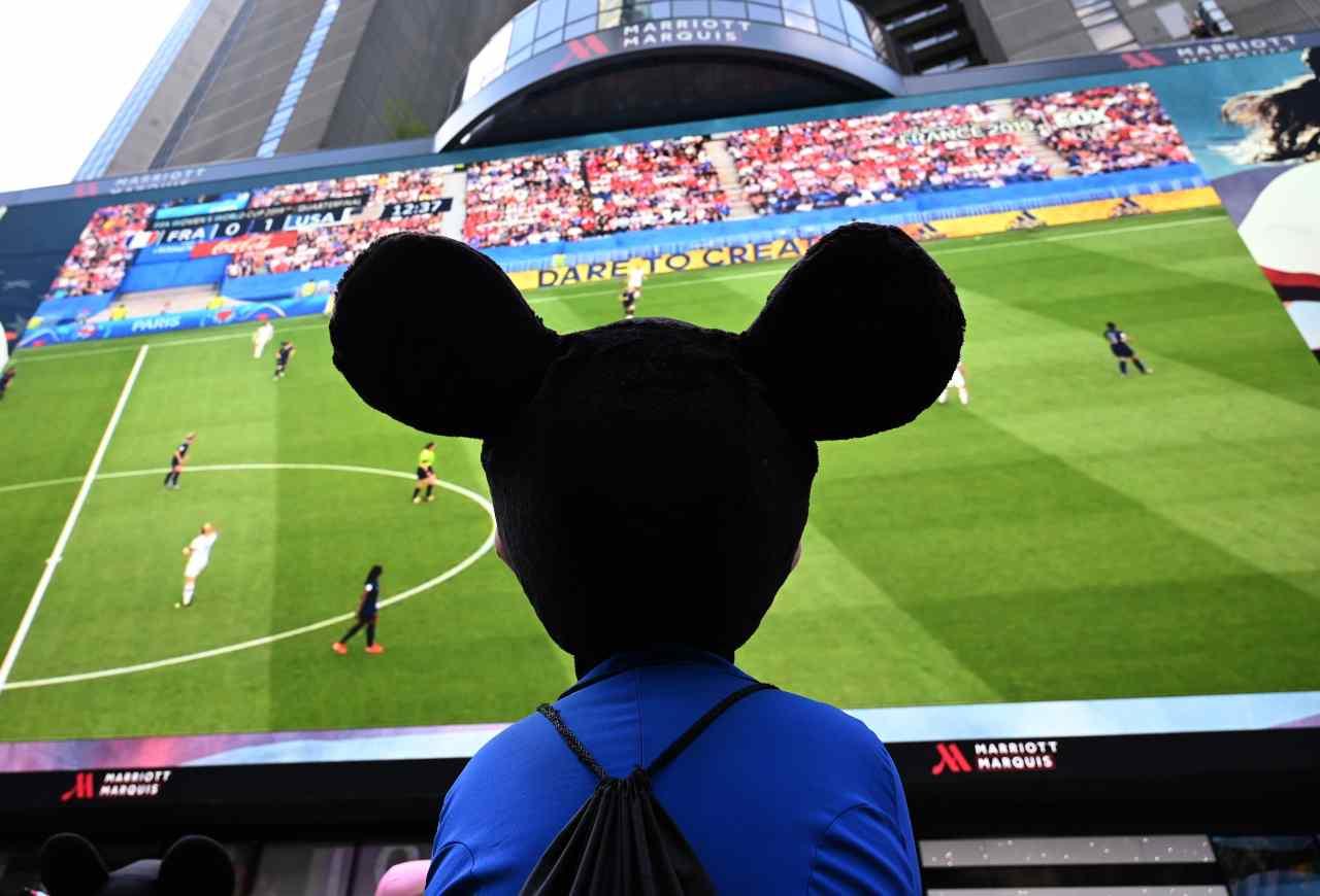 Topolino, Pelé e le figurine: quando il fumetto ha raccontato il calcio