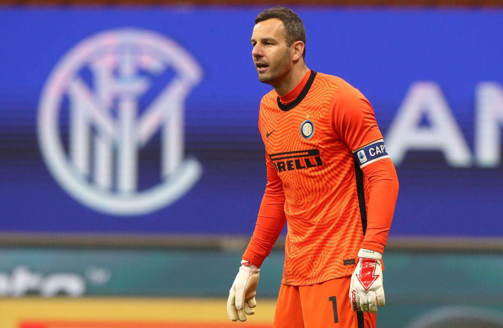 Critiche ad Handanovic dopo l'autogol (Getty Images)