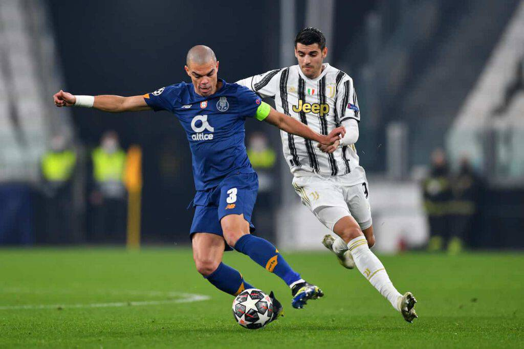Juventus, The Independent pungola i bianconeri (Getty Images)