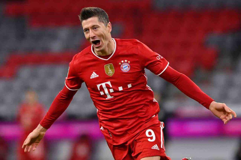 Lewandowski Bayern Monaco ai saluti (Getty Images)