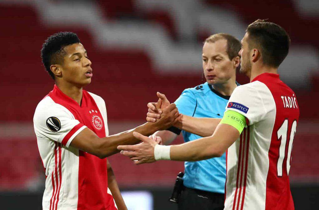 Tifosi olandesi vicini alla squadra prima di Ajax-Roma (Getty Images)
