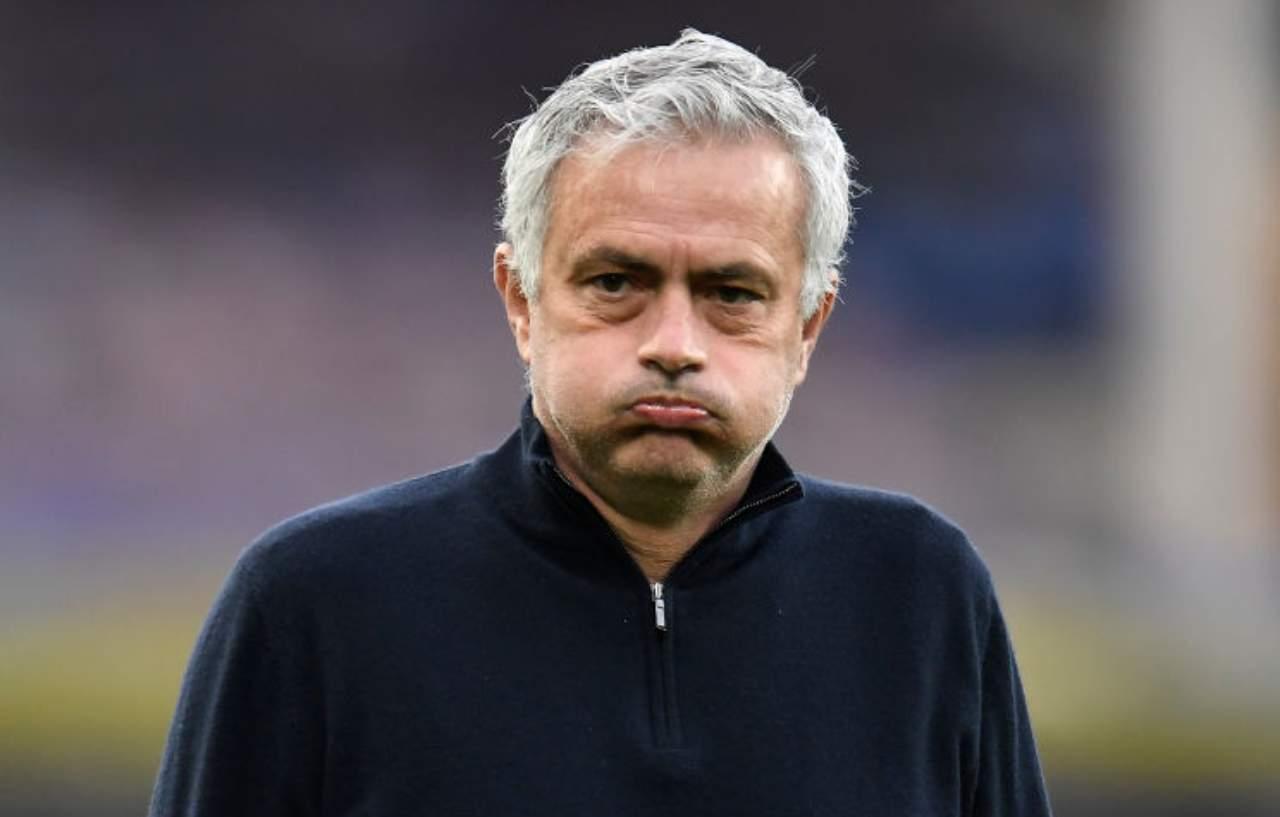 José Mourinho esonerato