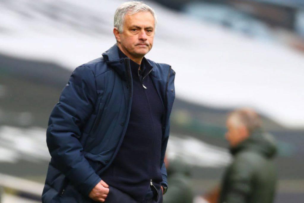 Caccia a Mourinho dopo l'esonero (Getty Images)
