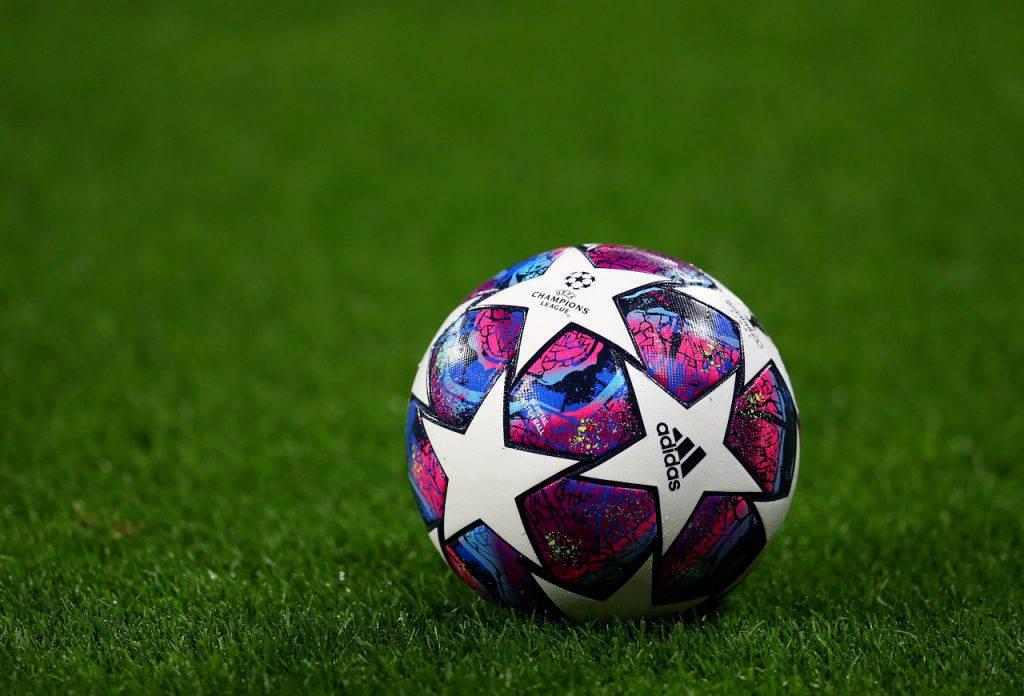 Superlega Cantona post social