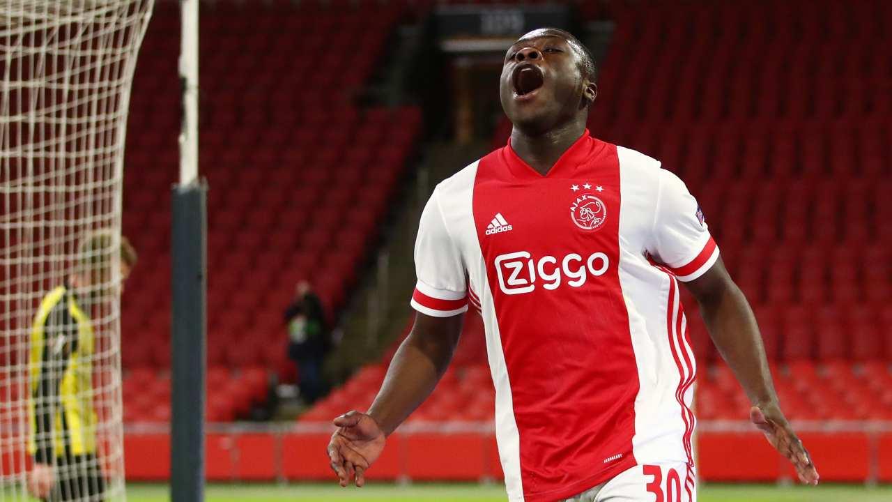 Brian Brobbey, chi è il talento dell'Ajax che ha spaventato la Roma in Europa League