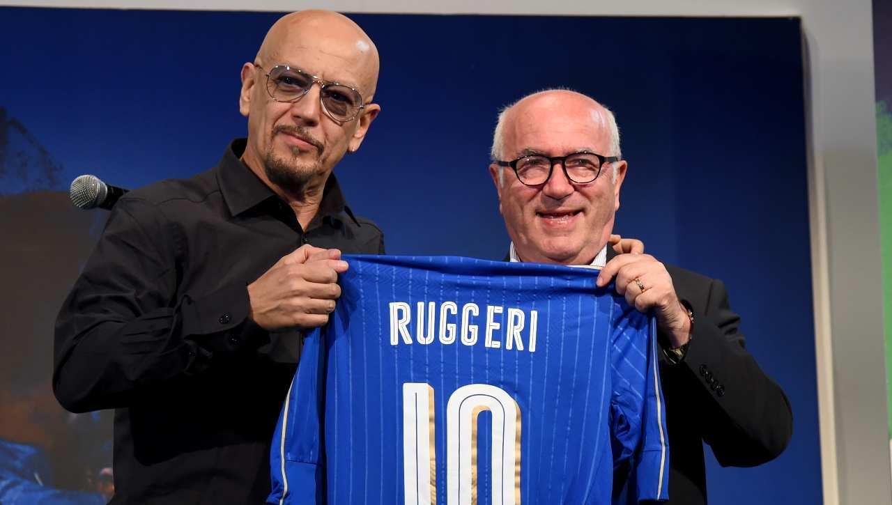 Enrico Ruggeri si unisce a Maicon: il nuovo ruolo del cantante