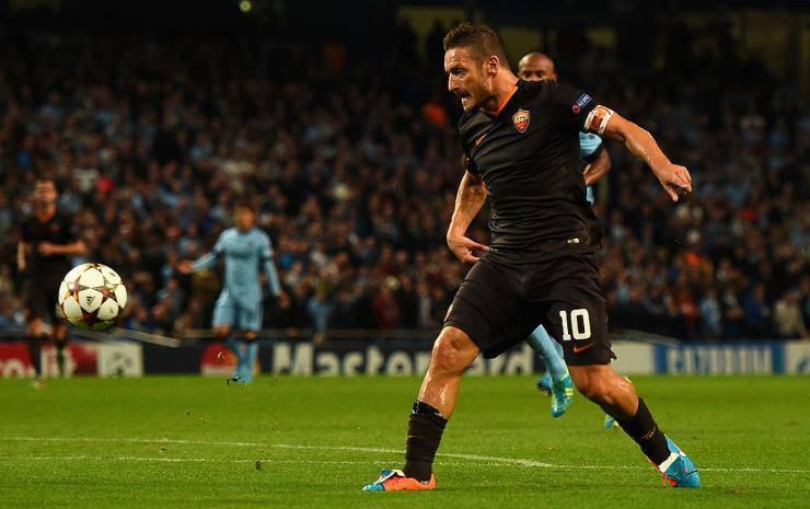 Francesco Totti, il gol al Manchester City