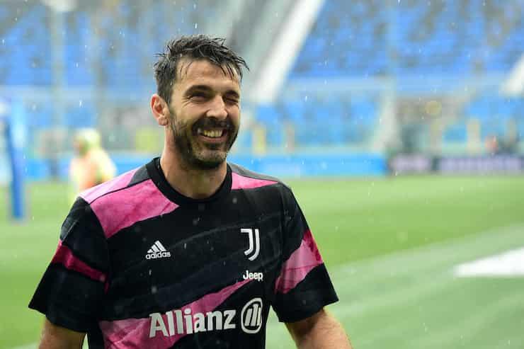 Il grazie di Buffon ai tifosi (Getty Images)
