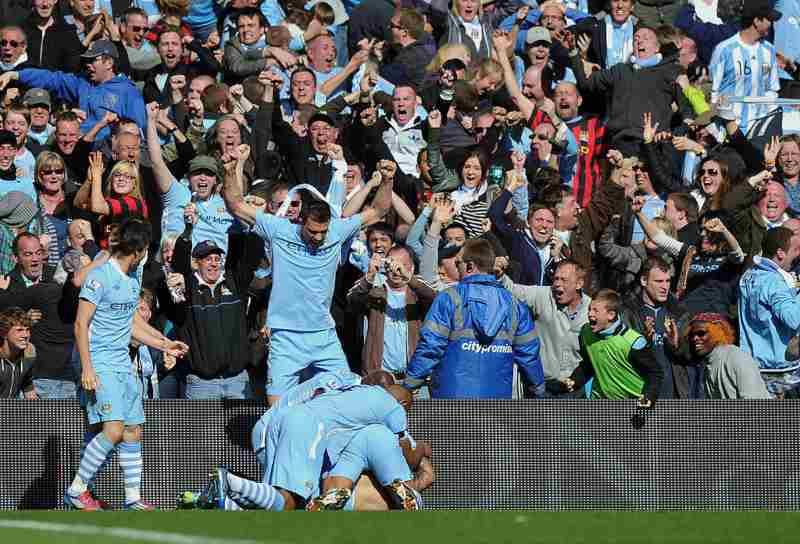 Sergio aguero, l'esultanza per il gol del 3-2 in Manchester City-QPR del 2012