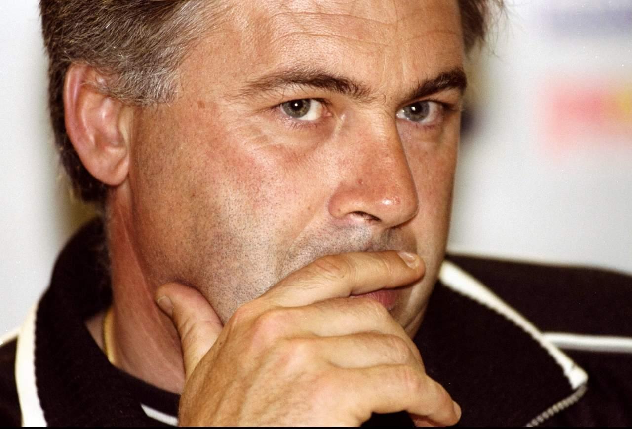 Un giovane Carlo Ancelotti allenatore della Juventus