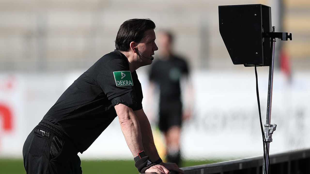 Rivoluzione VAR, l'Europa guarda alla Liga: cosa cambia dalla prossima stagione