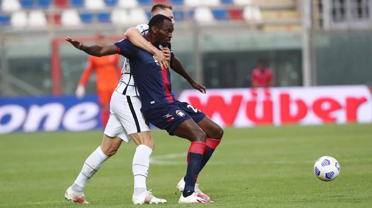 Crotone-Inter, calabresi retrocessi con anticipo in Serie B: i casi celebri