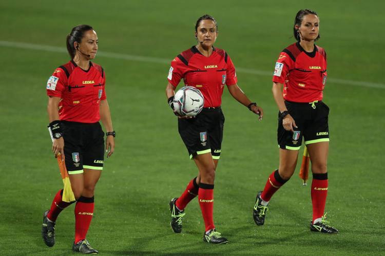 Maria Marotta nella storia: chi è la prima donna arbitro in Serie B (foto Getty)