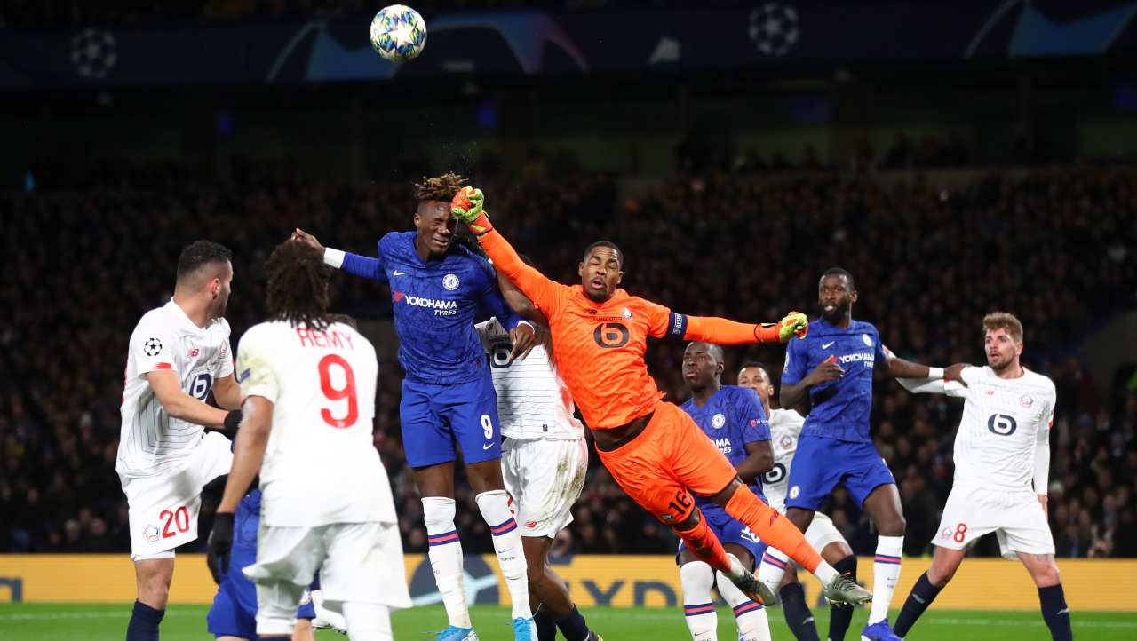 Mike Maignan, la sfida a Ibrahimovic