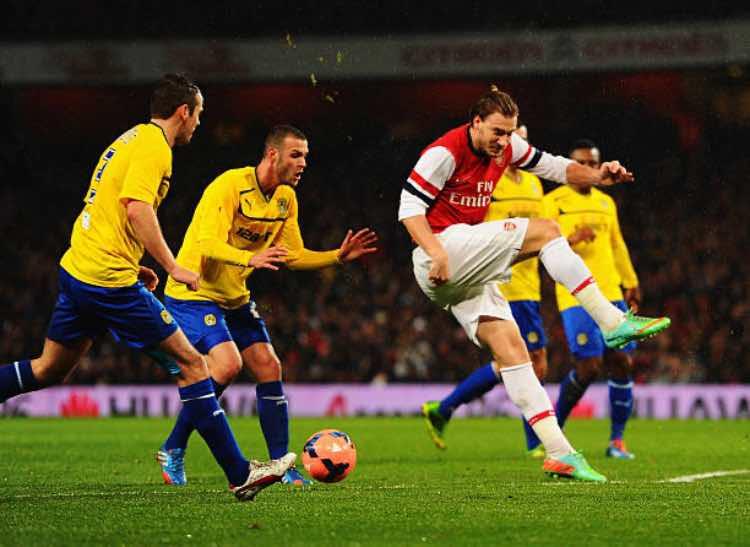 Bendtner Arsenal