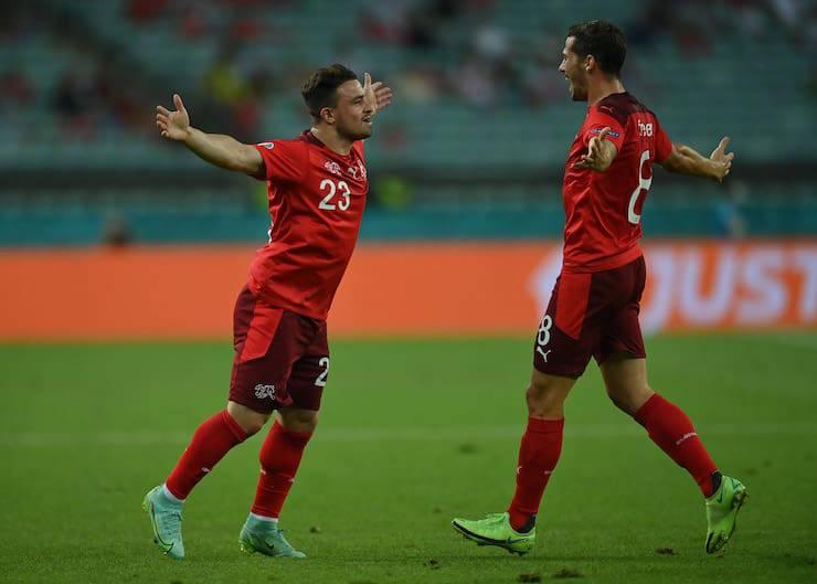La fidanzata di Freuler sorprende il calciatore (Getty Images)