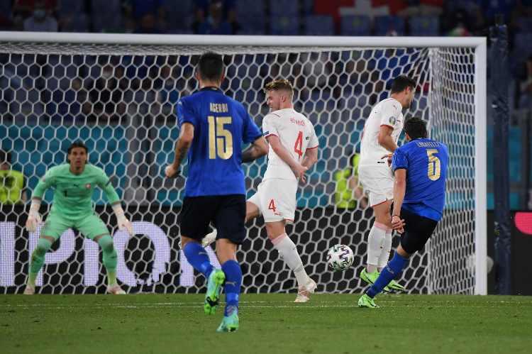 Locatelli gol italia