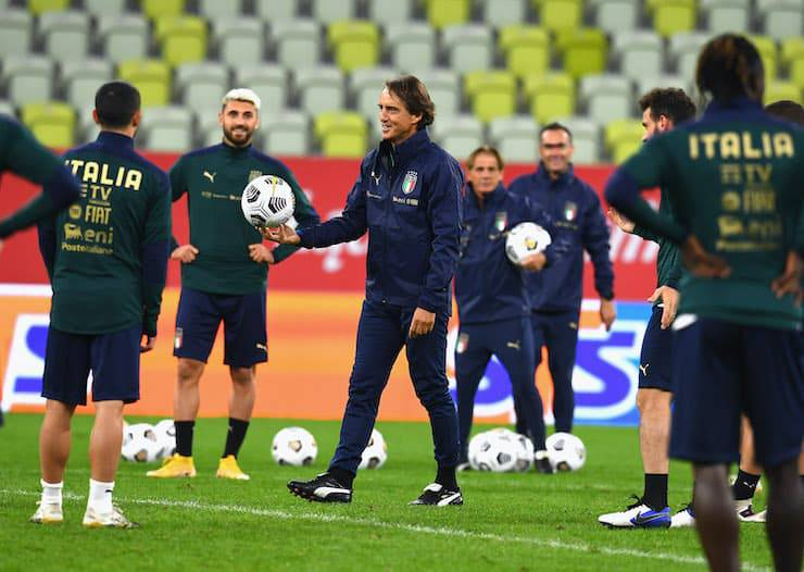 Notte azzurra per Roberto Mancini e la Nazionale (Getty Images)
