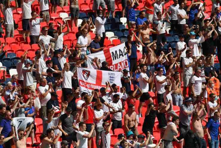 Inghilterra Croazia Tifoso Wembley