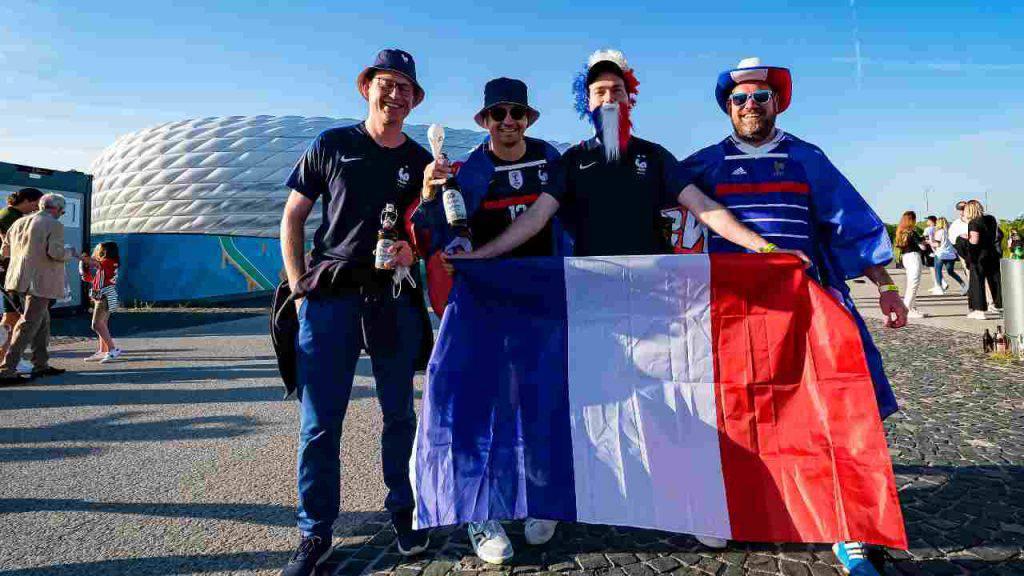 tifosi francesi bucarest