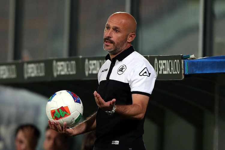 Italiano allenatore Spezia video di caprio